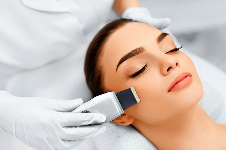 Ultralyd-peeling eller ultralydbehandling med kollagenmaske
