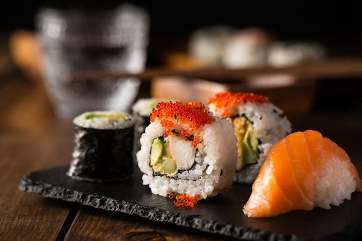 11 eller 30 bitar sushi hos Sushi House
