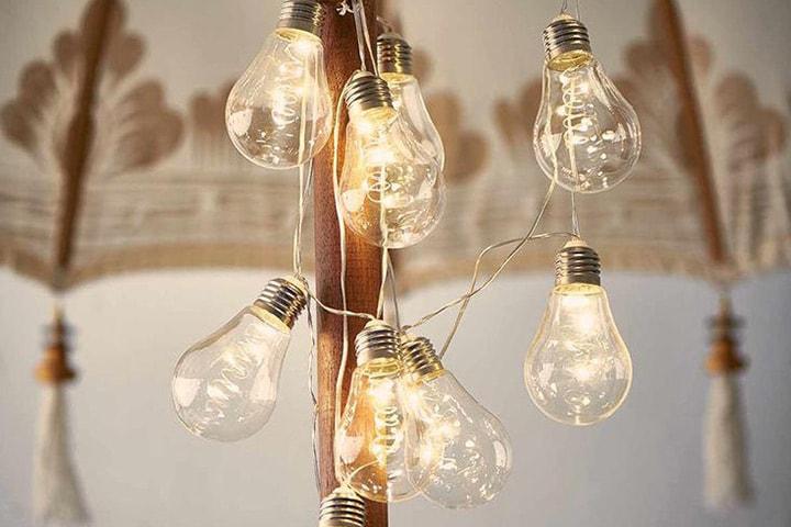 Lenke med lyspærer