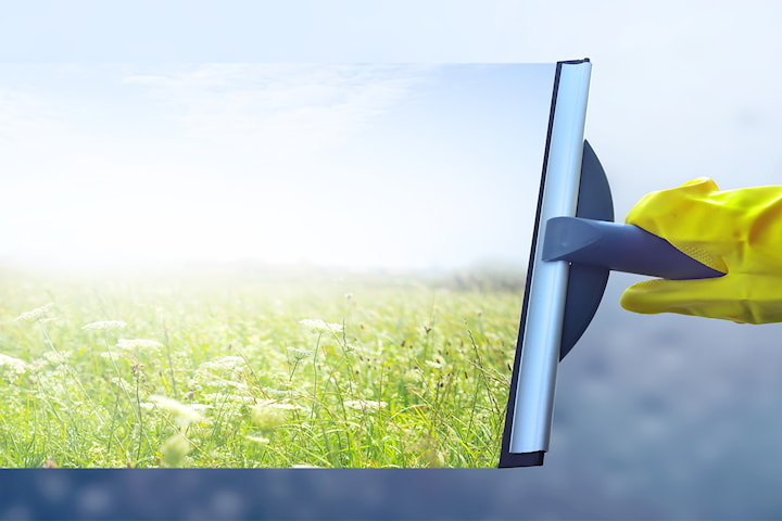 Fönsterputsning från  Interact Clean AB