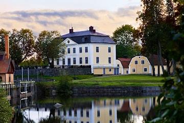 Fredagsmys med övernattning för 2 på Schenströmska Herrgården