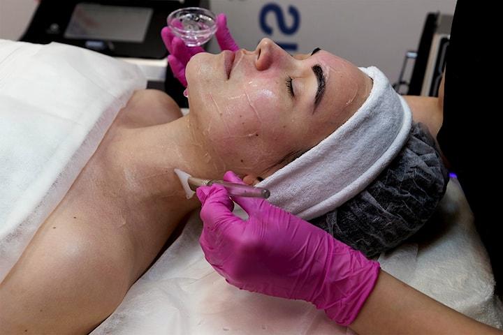 Innovativ syrepeeling tilpasset din hud hos Beauty Therapy Medi og Spa Klinikk på Bislet