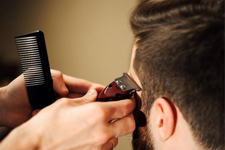 Klippning på Salong Hairbar i Eriksberg