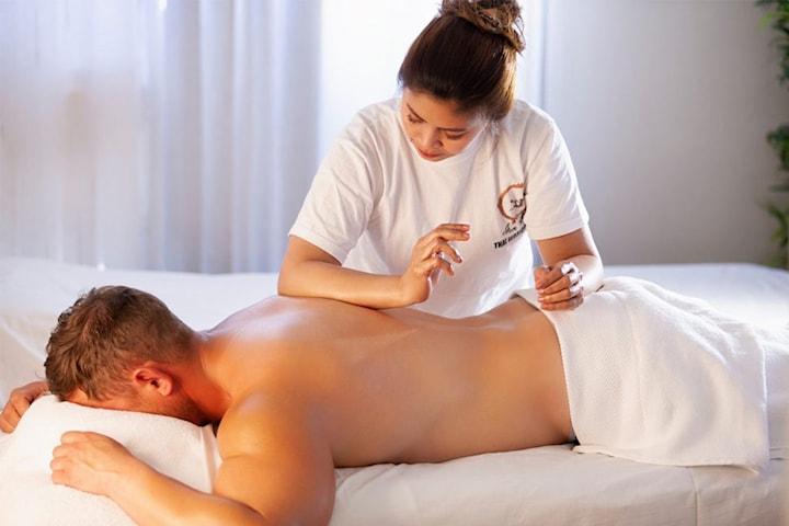 60 minutter Thai massasje hos Revilla Fashion Spa & Massasjeterapi sentralt på Majorstuen