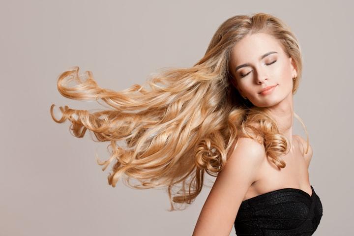 Hårförlängning med remyhår hos Gladys Hair