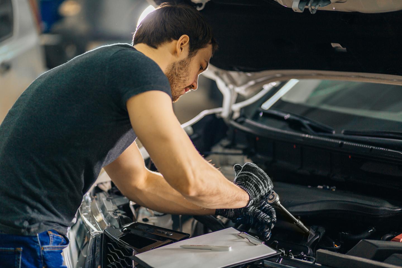 Bas- eller helservice hos Vellinge Bil & Motor (1 av 1)
