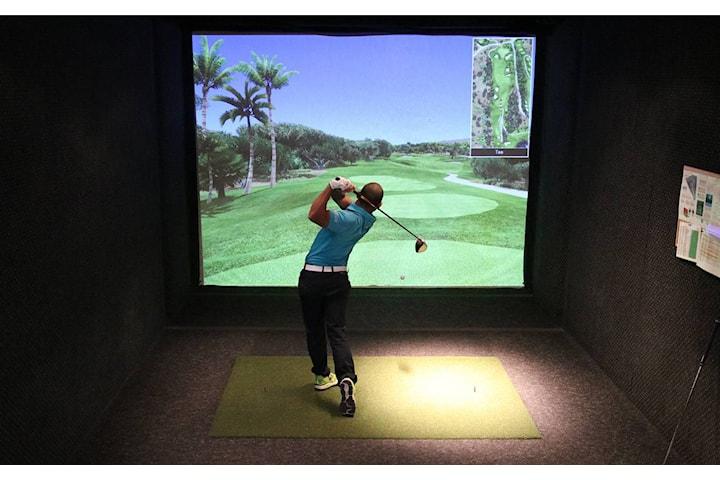 Ettermiddagsgolf på Toppgolf, golfsimulator alle hverdager fra kl. 14:00-17:00 inkludert kaffe/te