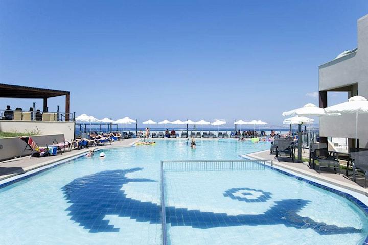 1 vecka på Galini Seaview Hotel på Kreta med all inclusive, flyg från Arlanda