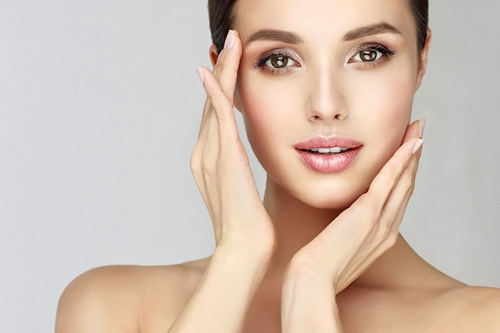Få finere linjer og jevnere hudtone med fruktsyrebehandling av ansiktet hos Nathalias Beauty Studio