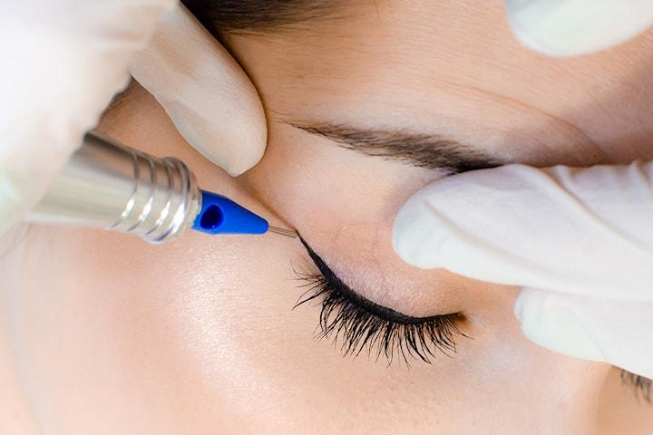Kosmetisk tatuering eyeliner hos Beauty & Style