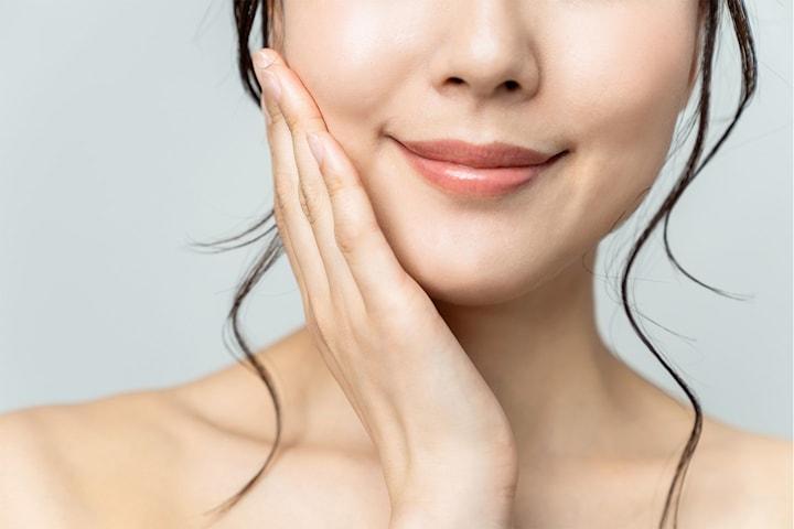 Botulinumtoxin för ett smalare ansikte och mot tandgnissel