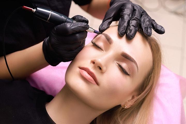 Microblading av ögonbryn hos Salong De Bellezza