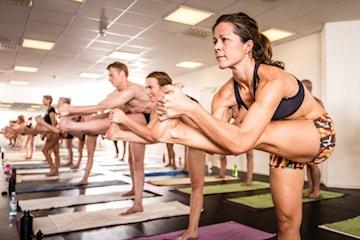 Yoga hos Hot Yoga Stockholm