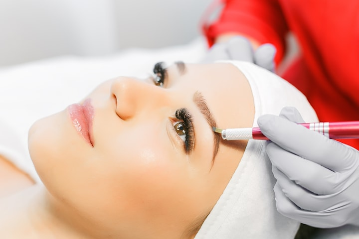 Få vakre bryn med microblading hos Beauty Addicts