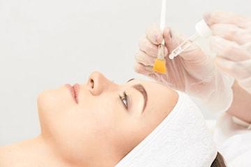 AHA-behandling inkl. hudscanning 1, 2 eller 4 tillfällen