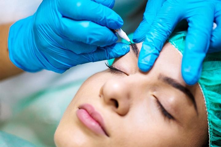 Kurs i microblading för 3D-ögonbryn