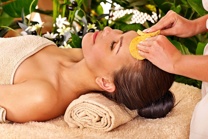 Lyxig multivitamin ansiktsbehandling med massage