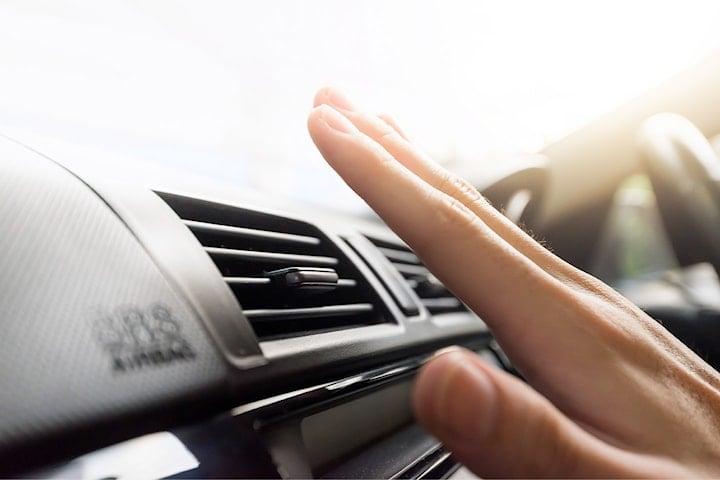 AC-service från Speedia Bilservice