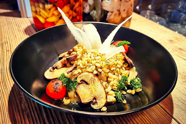 Kokkens utvalgte 3-retters veganske meny hos U'MAMY