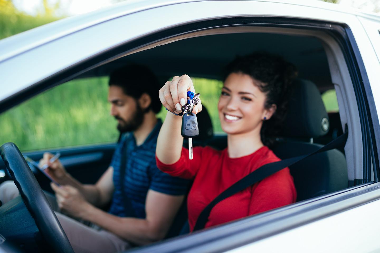 Kom igang med førerkortet hos Sikker Trafikkskole opptil seks kjøretimer (1 av 1)