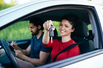 Kom igang med førerkortet hos Sikker Trafikkskole opptil seks kjøretimer