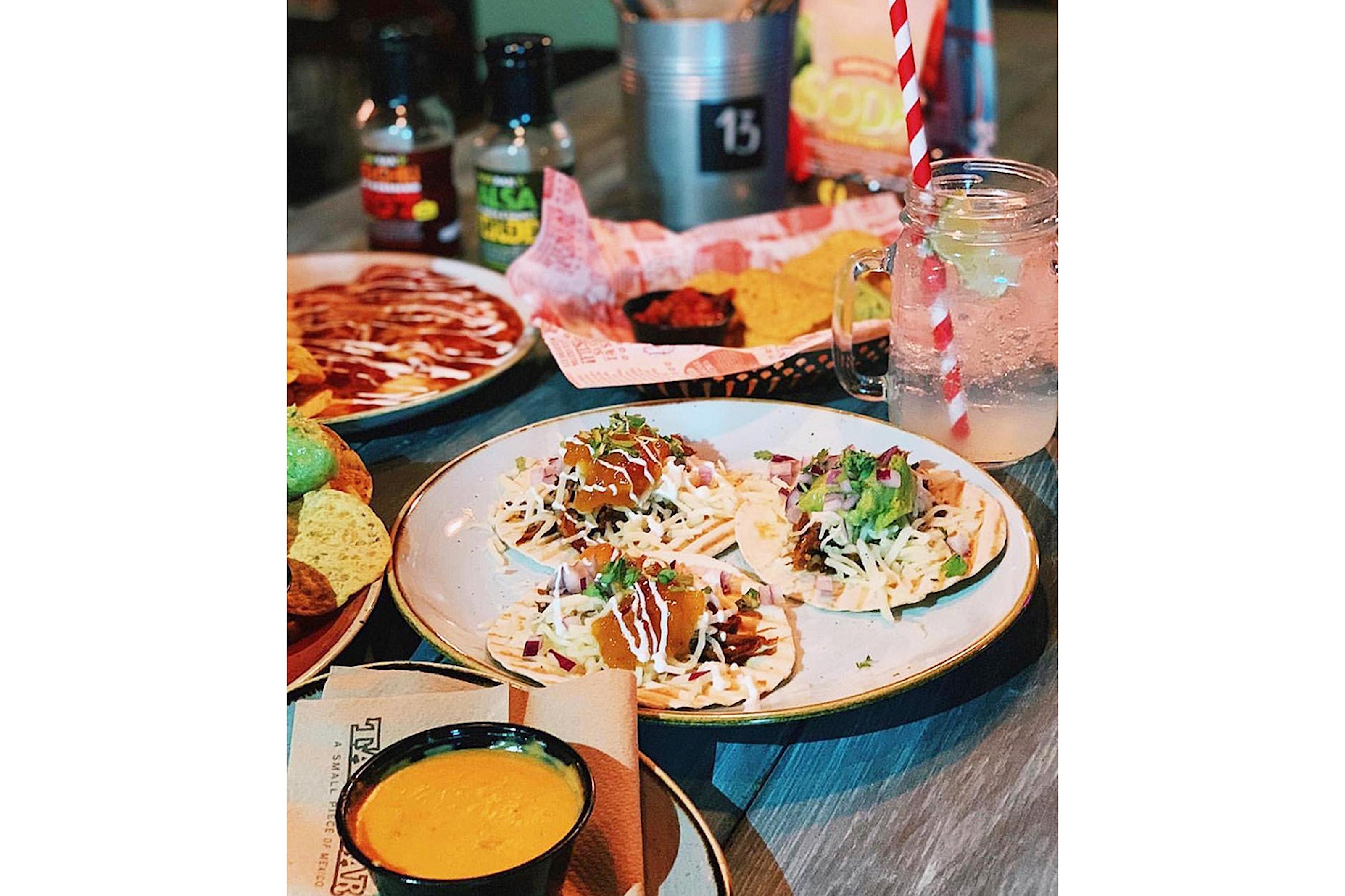 Middag på Taco Bar för 1, 2 eller 4 personer