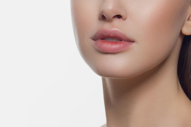 Fillerbehandling utført av erfaren kosmetisk sykepleier hos Hud og Hår klinikken (1 av 1)