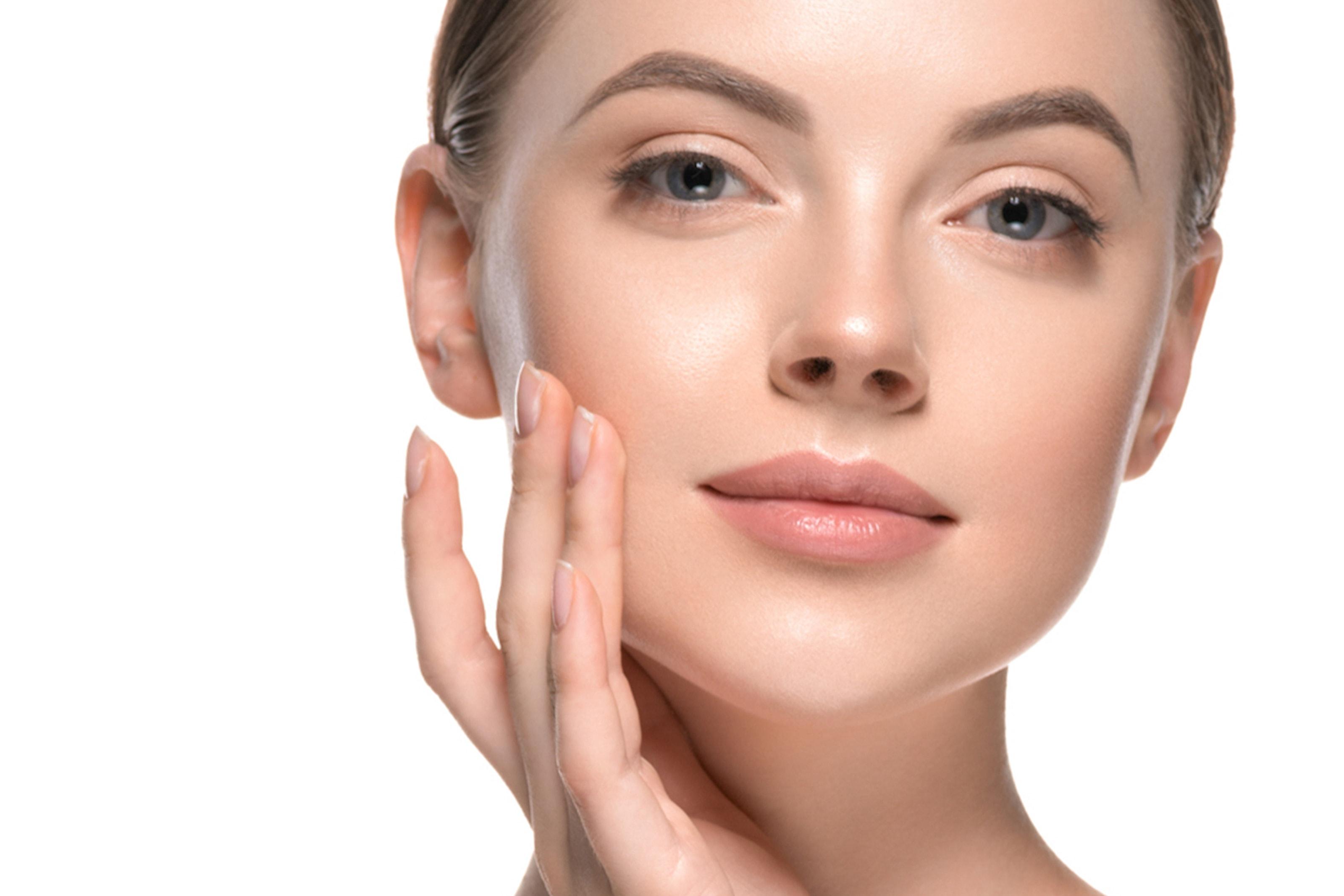 Microneedling och ansiktsmask