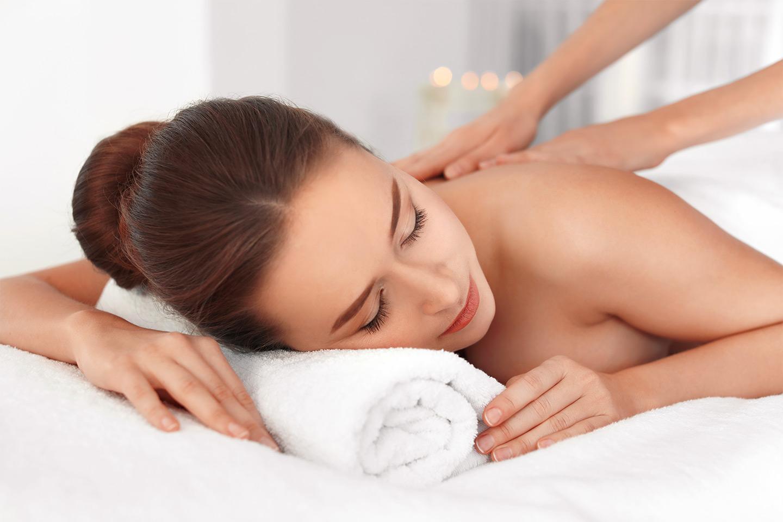 Velg mellom ulike massasjer hos Beauty & Madness Wellness Salon (1 av 5)