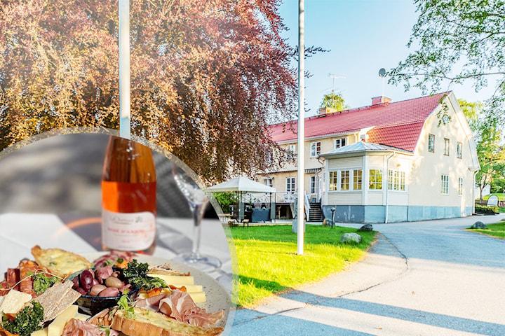 Skärgårdsvistelse för 2 inkl. middag på Nynäsgården