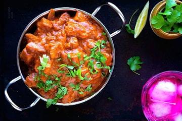 Indisk trerätters middag inkl. ett glas öl eller vin