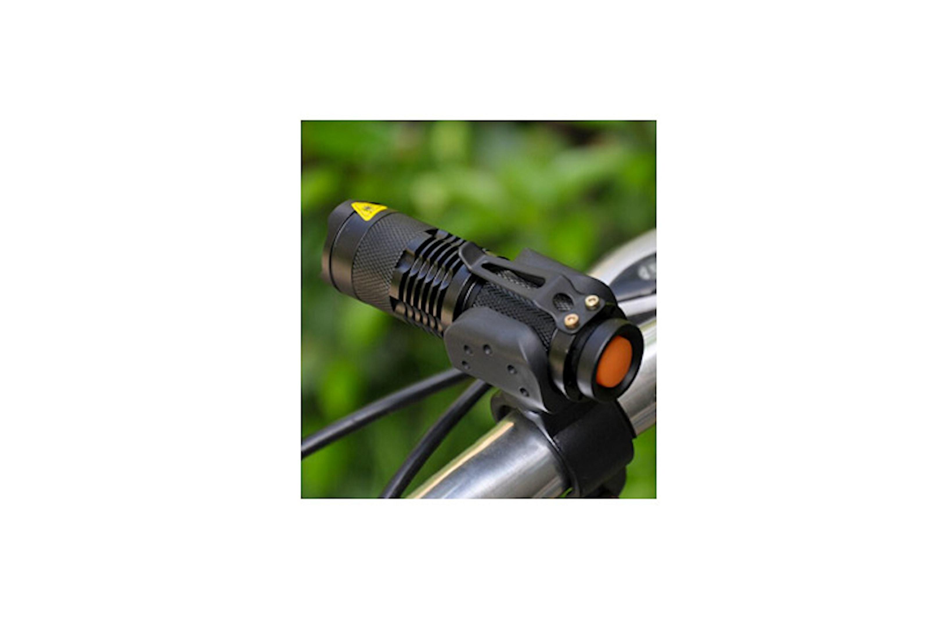 Kraftfull ficklampa med LED-ljus