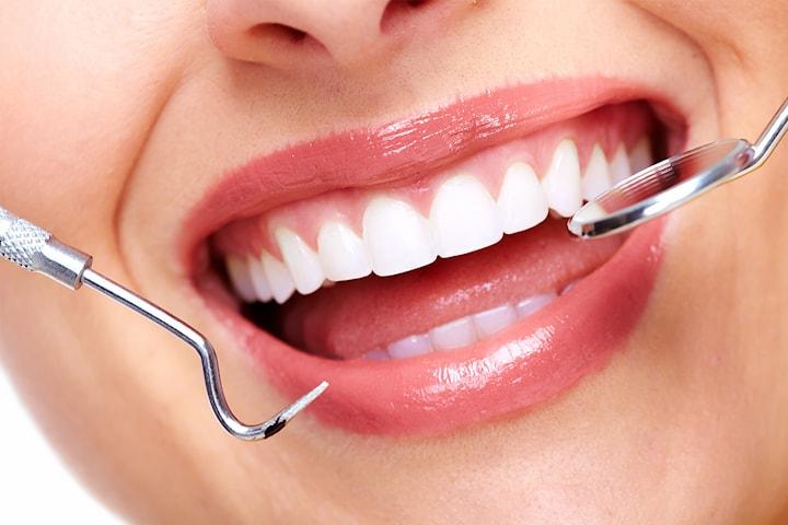 Full tannundersøkelse med Airflow hos Fluor Tannklinikk