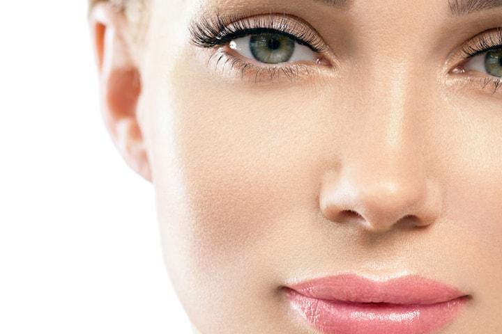 Lyster- och fuktgivande ansiktsbehandling