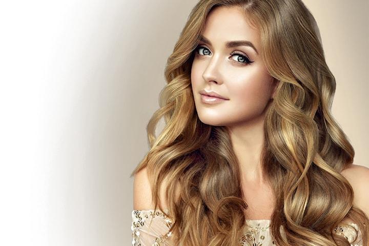 Hårklipp inkludert farge hos Concept Hair