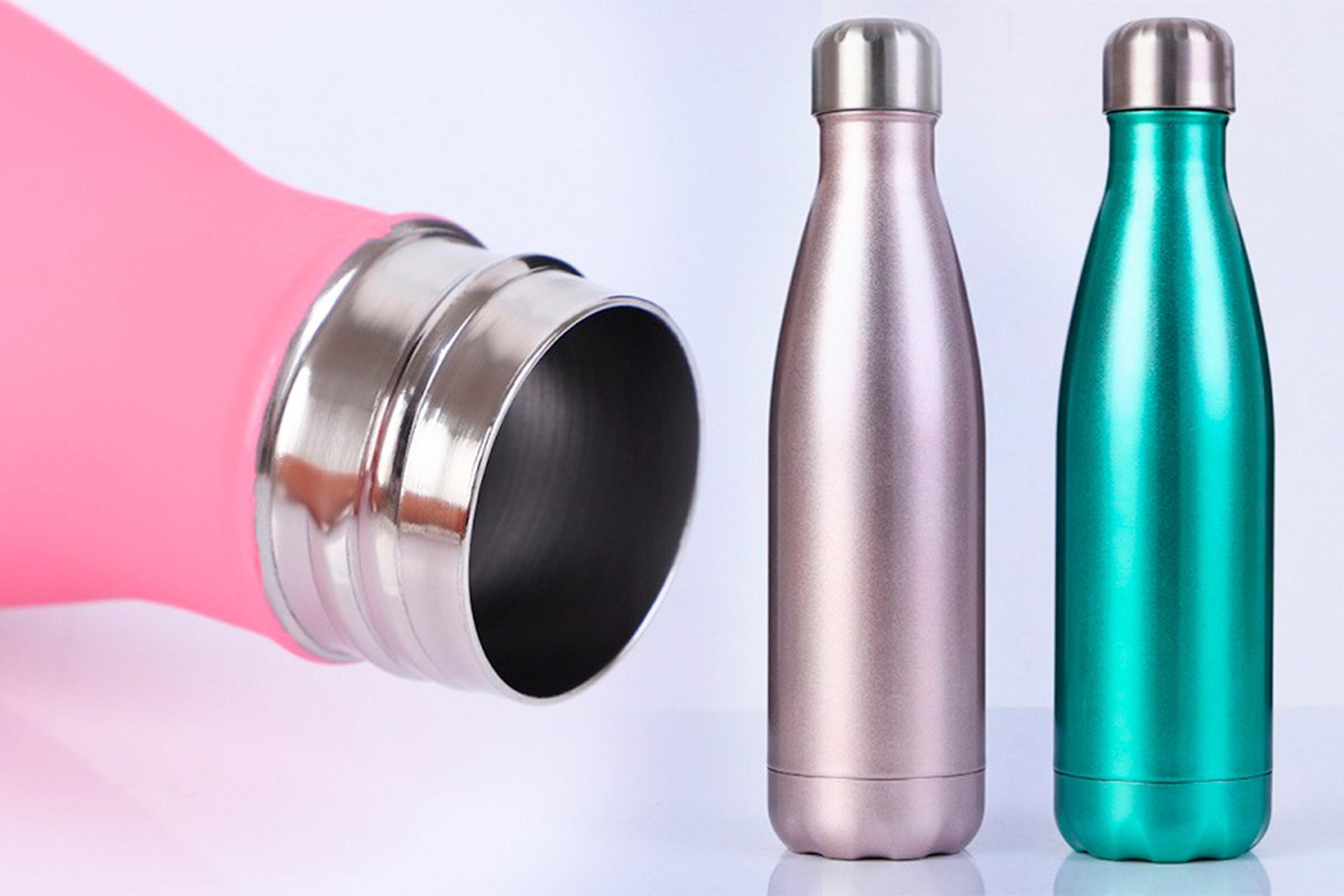 Vannflaske med vakuum som holder drikke kald/varm