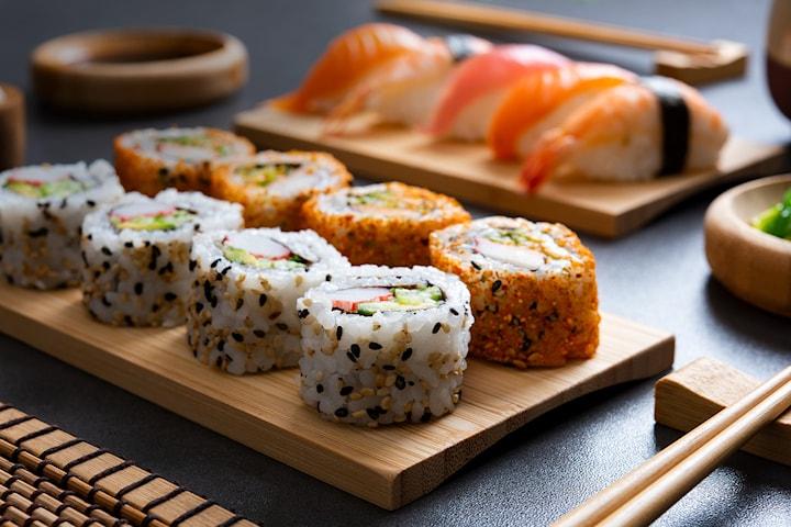 12-50 biter sushi takeaway hos Kouzu Sushi Majorstua