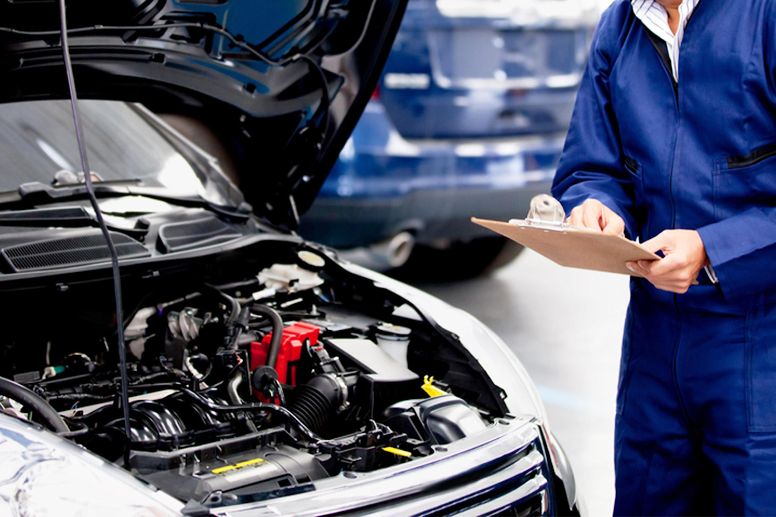 Bilservice inkl. utvändig handtvätt hos CTM Västerhaninge