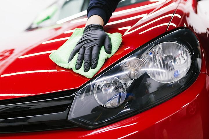 Deluxe handtvätt med vaxning hos Nordic Car Care