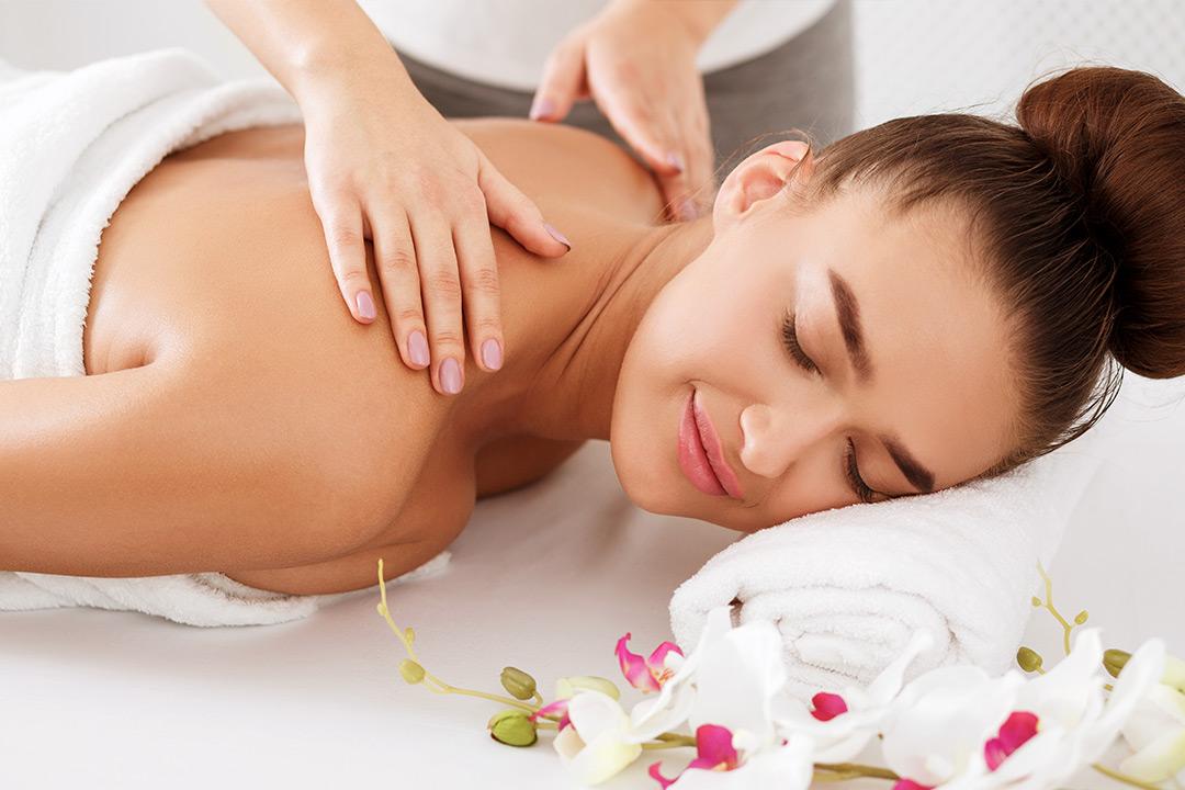 Massasje og kopping hos Pham Akupunktur & Massasje i Strømmen (1 av 3)
