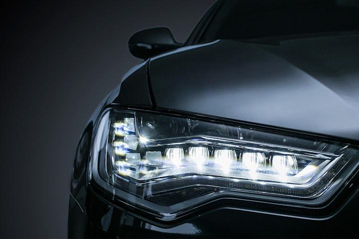 Polering av strålkastare hos Hendel Bil & Motor