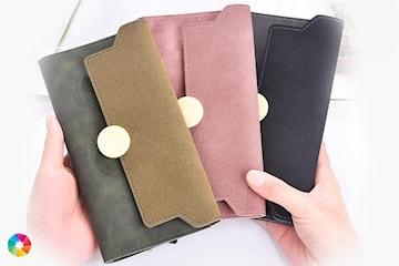 Plånbok med gulddetaljer