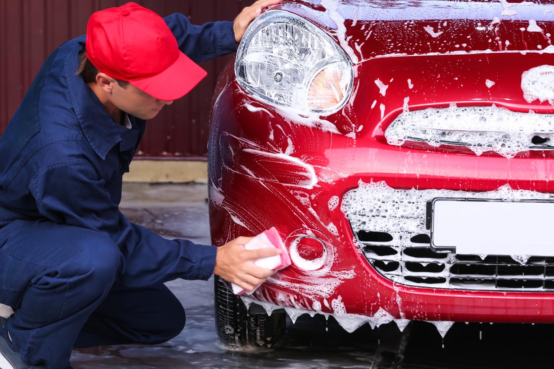 Exklusiv biltvätt och helvaxning (1 av 6)