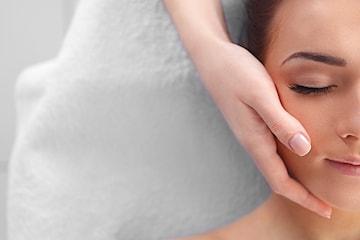 Spapakke inkl gelélakk-manikyr hos Nathalias Beauty Studio
