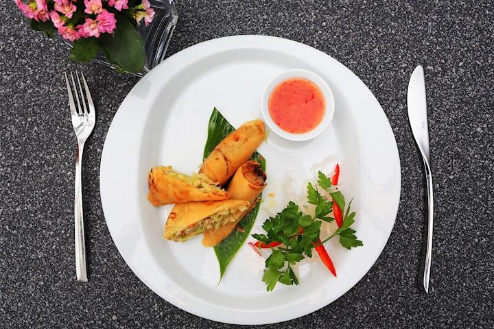 6-retters thai meny for opp til åtte personer hos Apsorn Thai