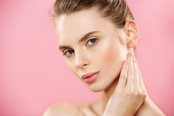Gi ansiktet og halsen et løft med høy intensiv fokusert ultralyd (HIFU) hos Kosmetisk Lege