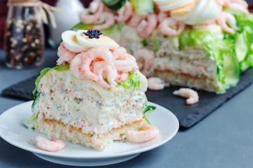 Catering av smörgåstårta till studenten eller sommarfesten