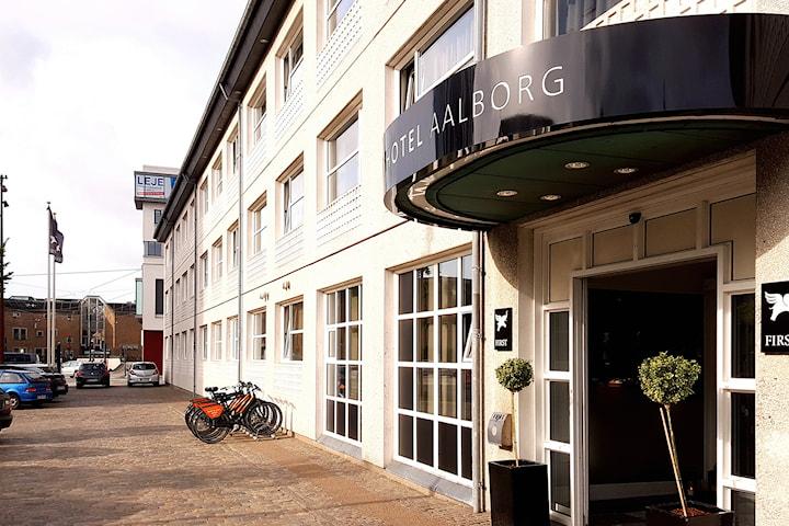First Hotel i Ålborg för 2 personer