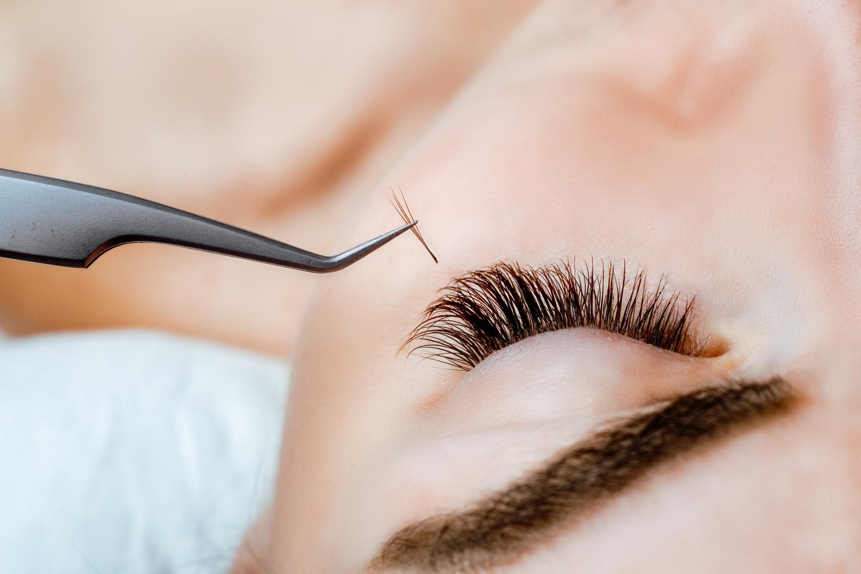 Ögonfransförlängning hos Ängel Laserklinik (1 av 1)