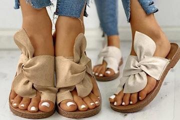Slip-in sandaler med rosett